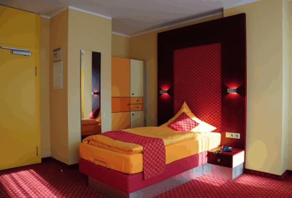 Architektur hotel motel herbergen in leipzig for Innenarchitektur kurse
